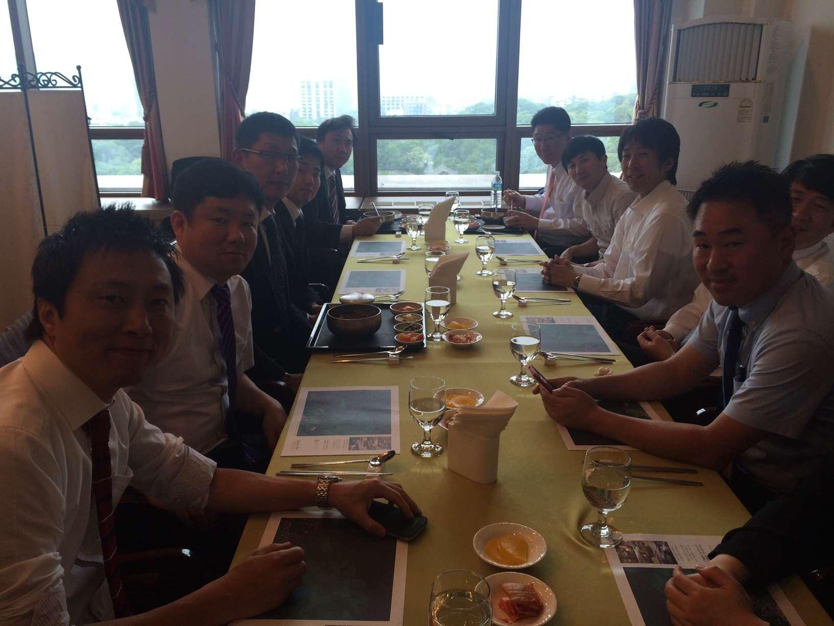 ソウル大学病院階上レストランでの昼食会